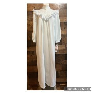 Vintage Nicole Light Blue Lacy Ruffle Full Length Flannel Nightgown Medium NWT